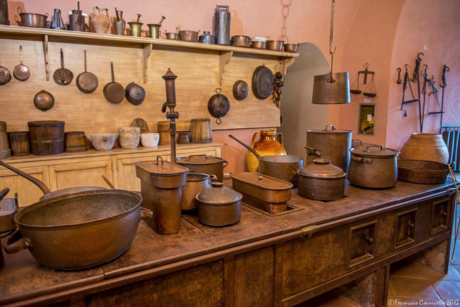 Castello di Corigliano: i sotterranei e la cucina ottocentesca
