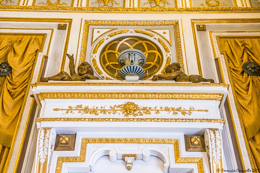 Castello di Corigliano: Salone degli Specchi