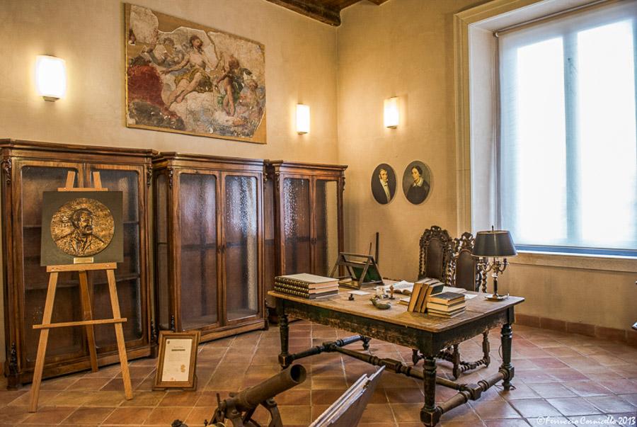 Castello di Corigliano: studio del Barone