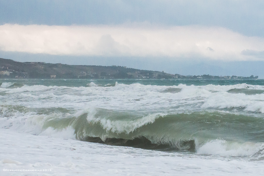 Mar Jonio...meditazioni poetiche d'autunno negli scatti di Ferruccio Cornicello