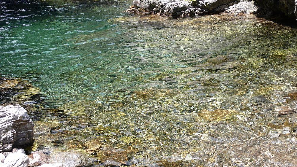 Un diamante liquido fra le rocce d'Aspromonte: è l'acqua del Torrente Calivi