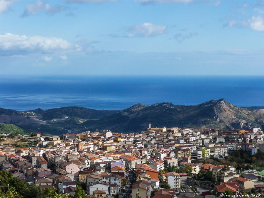 Viaggio nella Calabria jonica: pane al sambuco, monte di Mandatoriccio e Castello dell'Arso