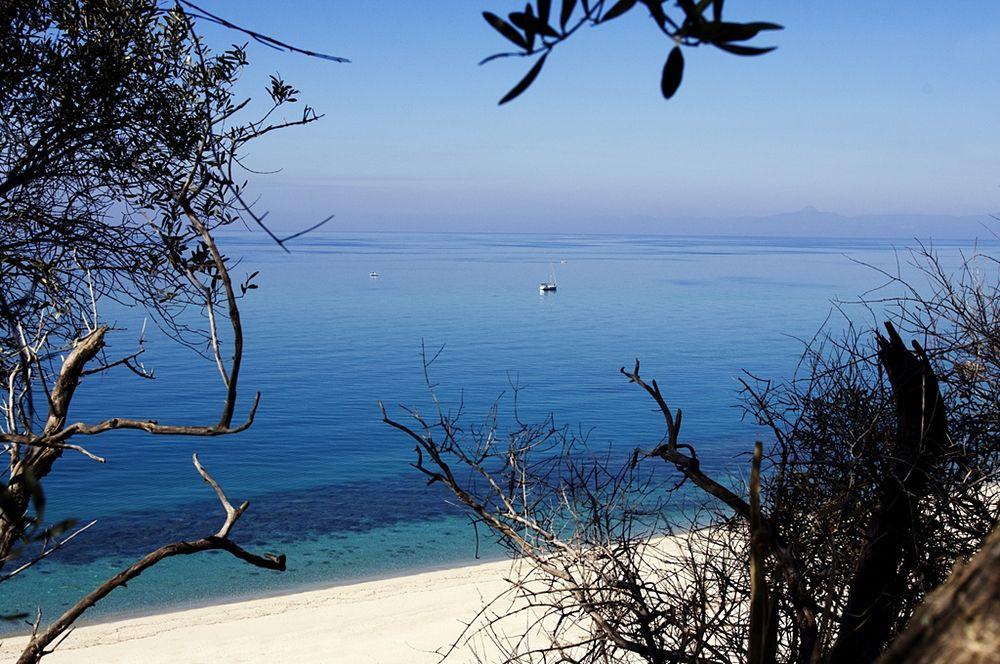 Calabria - La bianca spiaggia di Parghelia (Vibo Valentia) - Ph. Angelo Gargano | CCBY-SA2.0