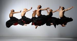 Caloroso successo a Bari per la danza energica, potente e visionaria della compagnia statunitense Ailey II