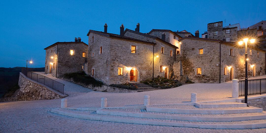 Case di Castel del Giudice (Is) recuperate ad albergo diffuso - Ph. Borgotufi