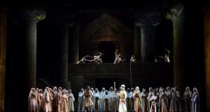 Nabucco di Verdi: le 'ali dorate' della libertà in scena al Petruzzelli di Bari