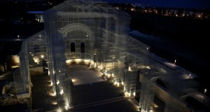 A Siponto l'Arte ricostruisce il Tempo con l'onirica Basilica di Edoardo Tresoldi