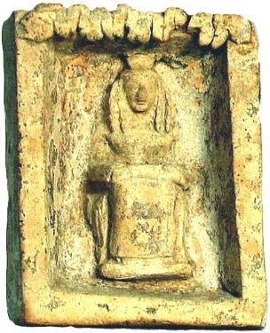 Pinax con Atena in trono che regge in grembo il peplo, VII sec. a.C. - Ph. Museum Francavilla