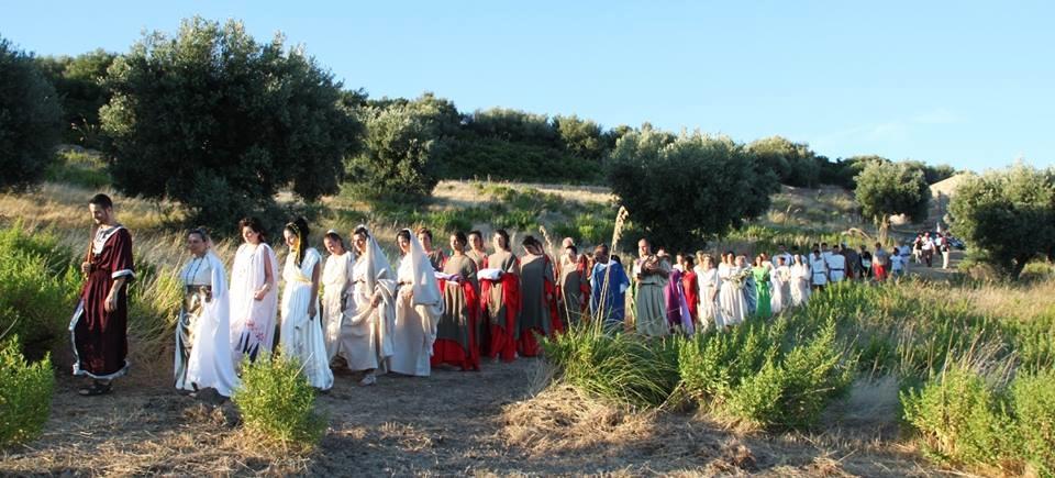 Rievocazione storica del corteo di Atena, Timpone della Motta, Francavilla Marittima (Cs) - Ph. Itineraria Bruttii
