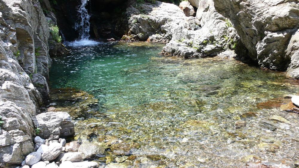 Calabria - Scorcio di una delle cascate formate dal Torrente Calìvi, S. Cristina d'Aspromonte (Reggio Calabria) - Ph. © Andrea Martini di Cigala