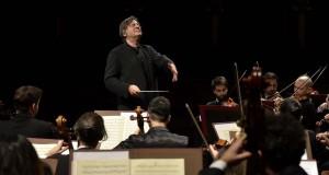 Teatro Petruzzelli: Günter Neuhold dirige il nuovo Family Concert Estate. Ospiti i bambini del CARA
