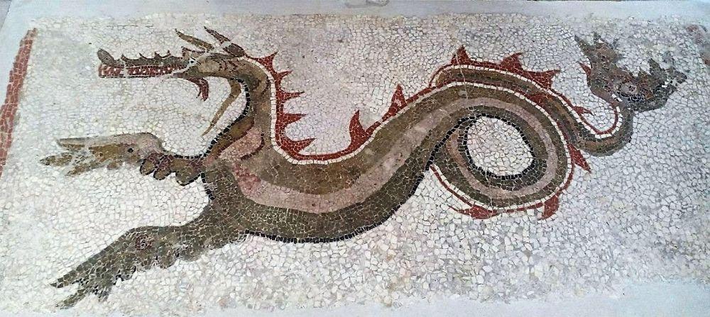Il drago marino di Kaulon, mosaico del III° sec. a.C., Monasterace (Reggio Calabria) - Ph. Gianpiero Taverniti