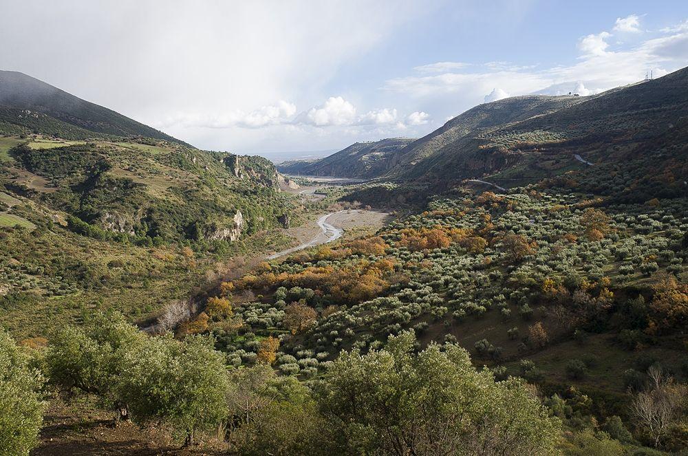 Tratto finale del torrente Raganello visto da Civita (Cs) - © Andrea Martini di Cigala