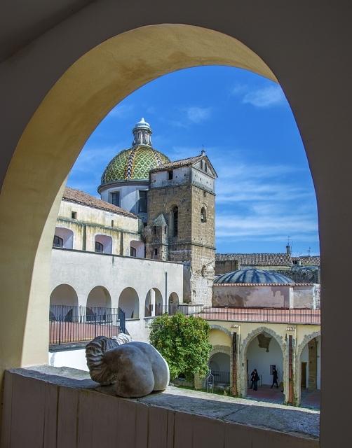Scorcio del complesso di San Francesco delle Monache, Aversa (Caserta) – Ph. Fiore S. Barbato | ccby-sa2.0