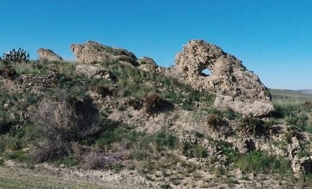 Veduta panoramica del monolito di Gela (Ag) - Ph. © Giuseppe La Spina