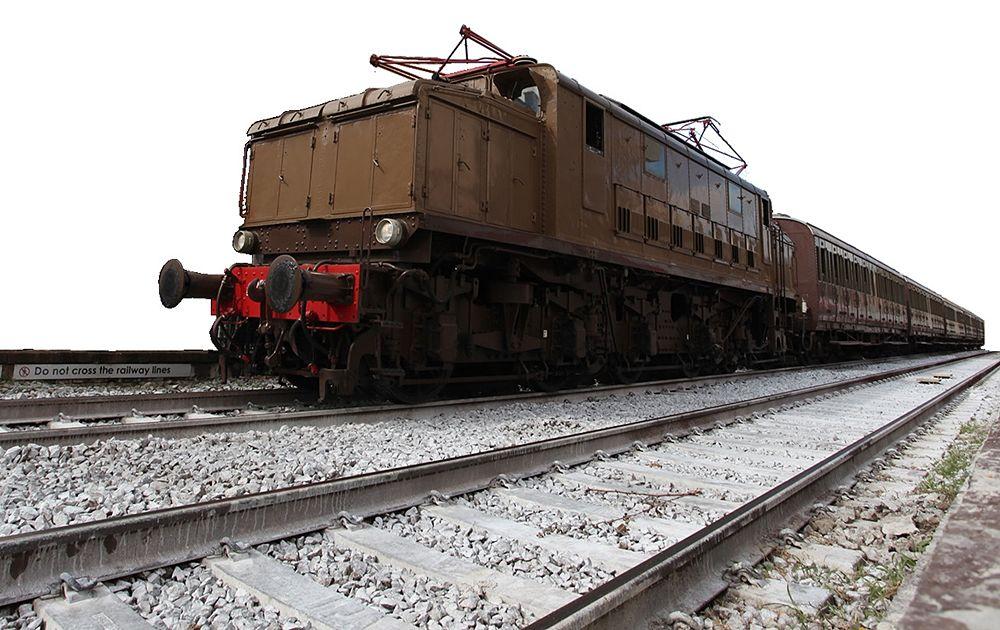 """Il treno storico ribattezzato """"Reggia Express"""" che collega Napoli a Caserta"""