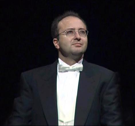 Il compositore e direttore d'orchestra Sergio Monterisi