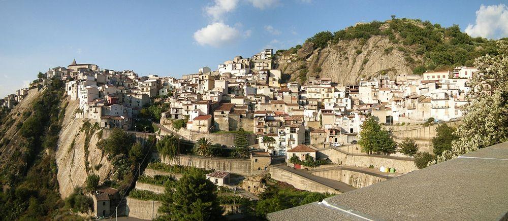 Veduta panoramica di Motta Camastra (Messina) - Ph. Leandro Neumann Ciuffo | ccby2.0