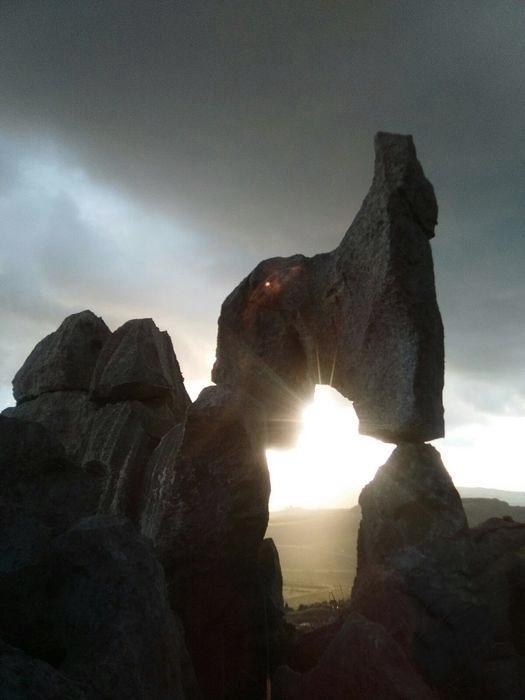 La pietra-calendario di Castellammare del Golfo (Trapani) - Ph. Ansa