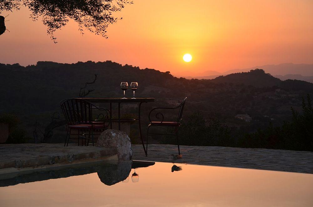 wine_sunset_opt