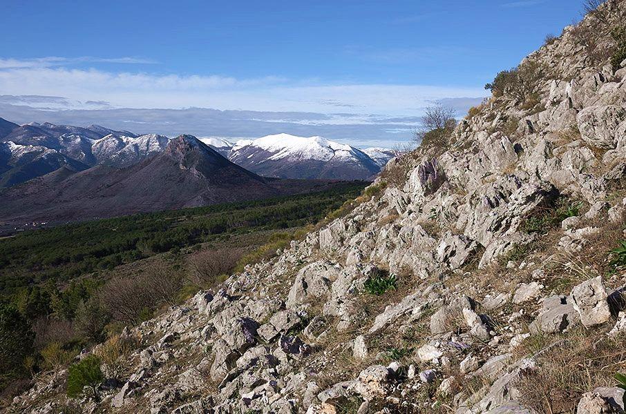 Calabria - La pendice scoscesa di Cozzo Palumbo, Parco Nazionale del Pollino -  Ph. © Andrea Martini di Cigala