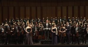 Del mistero della vita e della morte. Grande successo al Petruzzelli per la struggente Sinfonia n.2 di Mahler
