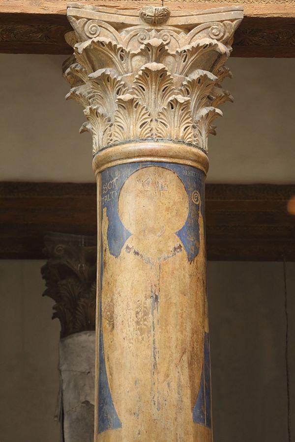 L'effigie di San Cataldo su una delle colonne della Basilica della Natività di Betlemme - Ph. © Anna Svelto