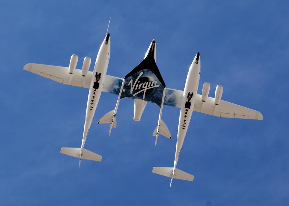 Volo della SpaceShipTwo ancorata alla WhiteKnightTwo - Ph. Jeff Foust