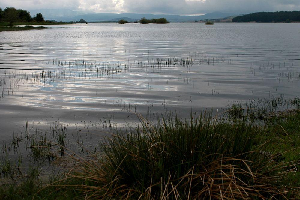 Scorcio del Lago Cecita, Parco Nazionale del Pollino - Ph. © Gianni Termine