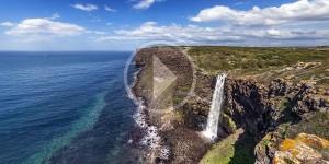 Una cascata sul mare. L'incanto di Capo Nieddu nel video di Daniele Macis