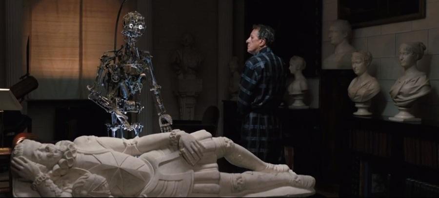 """La statua del cavaliere Giuseppe in una scena del film """"La migliore offerta"""" di G. Tornatore"""