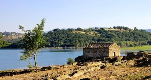 La villa dei mosaici. Una domus romana sul Lago dell'Esaro. Immagini di Gianni Termine