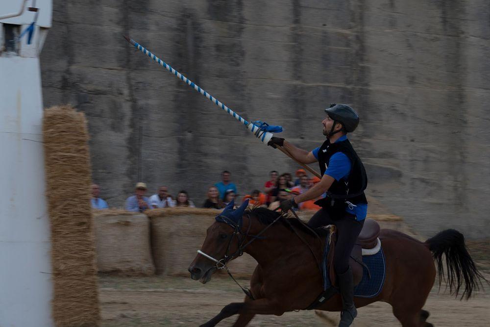 Il cavaliere Mauro De Luca detto Aquila (rione Cittadella-Coscinale) - Ph. © Francesco Cariati