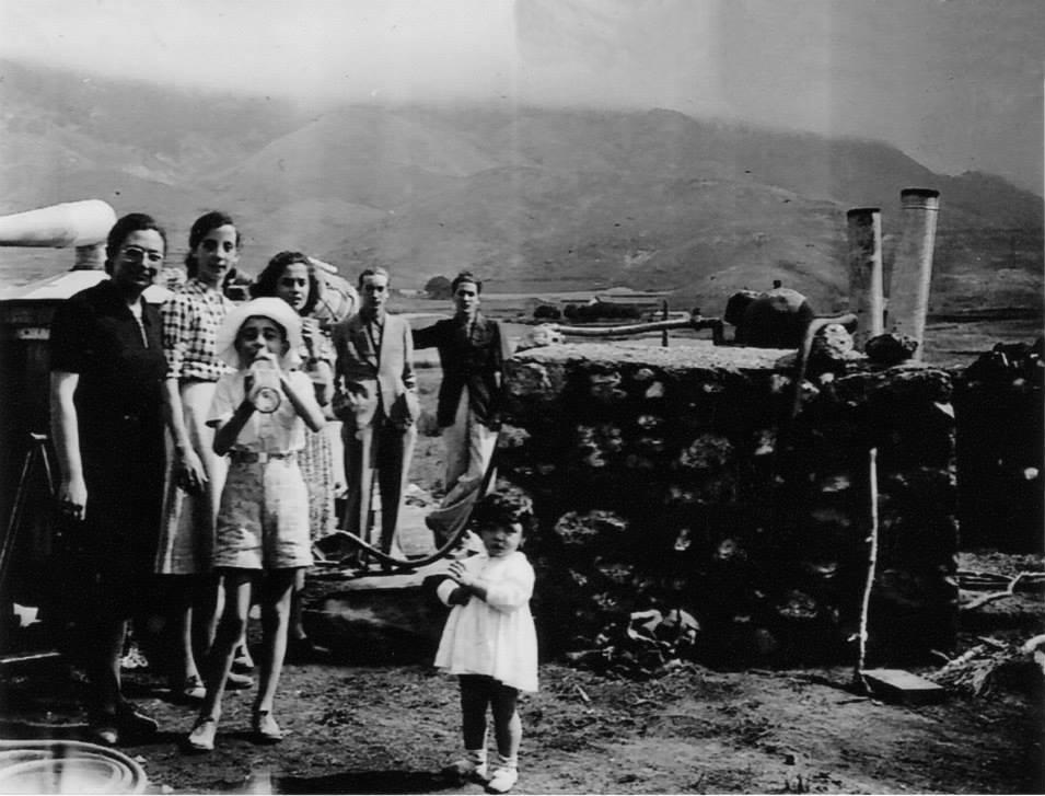 Distillazione della lavanda sul Pollino per conto dell'azienda Linetti, 3 agosto 1940 © Collezione Privata Feoli