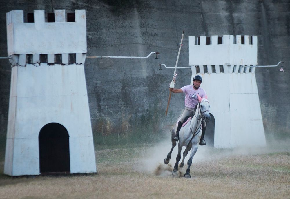 Il cavaliere del Rione S. Zaccaria durante le prove che precedono il Palio del Principe, Bisignano (Cs) - Ph. © Francesco Cariati