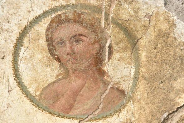 Affresco con volto femminile, I sec. d.C., Pompei - Image by Parco Archeologico di Pompei