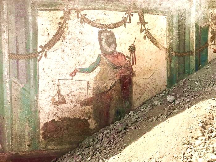 Il Priapo affrescato ritrovato in una domus di Via di Vesuvio, Pompei - Image by Parco Archeologico di Pompei