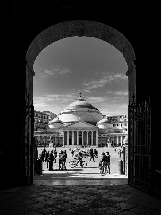 Piazza Plebiscito vista da Palazzo Reale - Image source | ccby-nd2.0