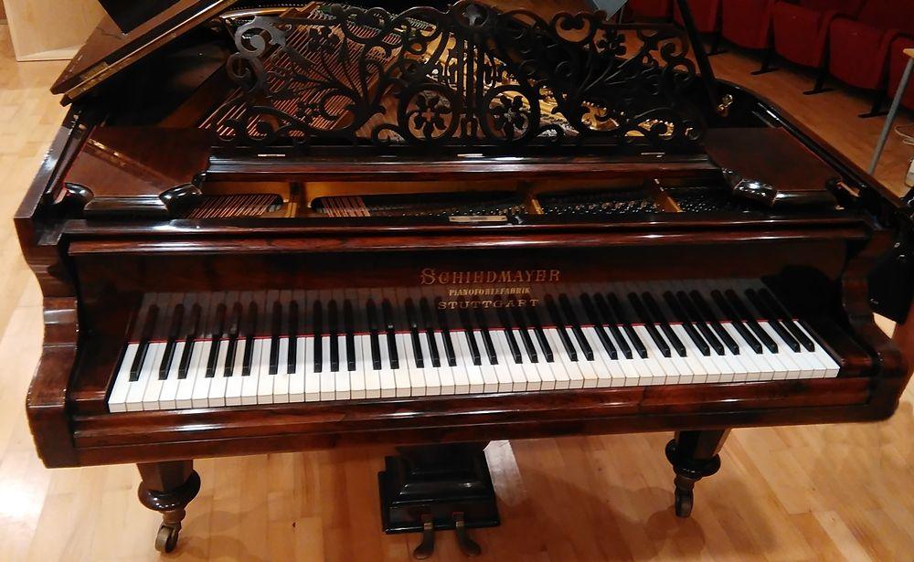 """Il pianoforte Schiedmayer appartenuto a Nino Rota, Conservatorio """"Piccinni"""", Bari © Famedisud"""