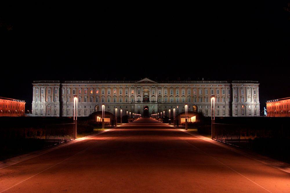 Visione notturna della Reggia di Caserta - Ph. Emmanuel Granatello | ccby2.0