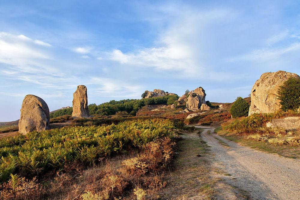 Sentiero d'accesso alle rocce dell'Argimusco - Ph. Alessandro Grussu | ccby-nc-nd2.0