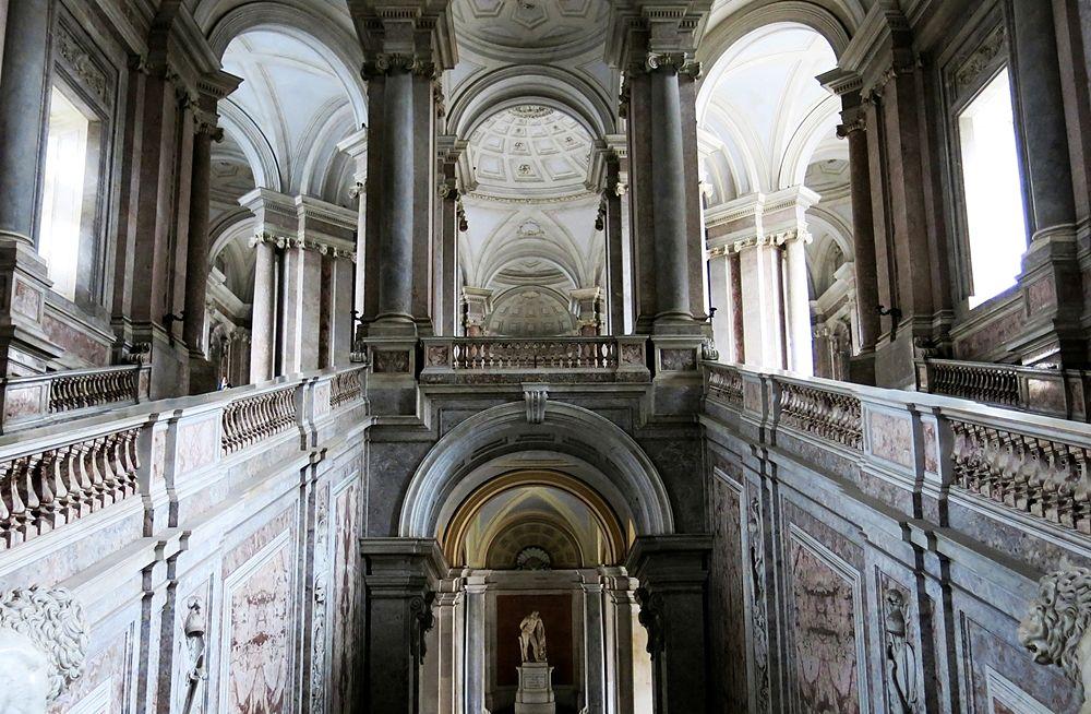Scorcio dello scalone della Reggia di Caserta, XVIII sec.