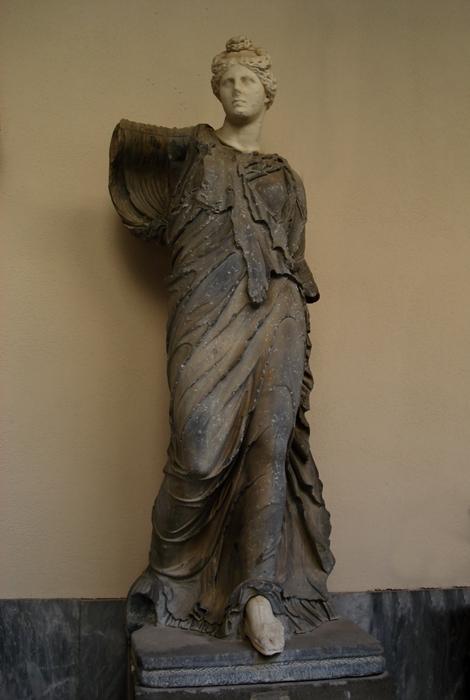 Menade Farnese rinvenuta nelle Terme di Caracalla. Copia romana di epoca severiana (ca. 193-235 d.C.) da un originale del sec. II a.C.