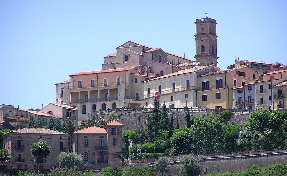 Scorcio del centro storico di Rende (CS) - Image source