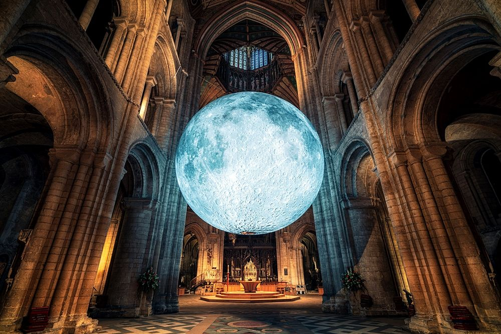 Luke Jerram, Museum of the moon, Ely Cathedral, Contea di Cambridgeshire, UK