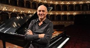 Il pianista Benedetto Lupo in concerto al Petruzzelli diretto da Günter Neuhold