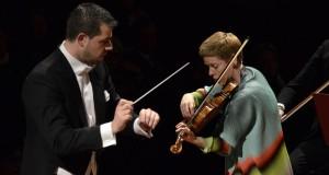 L'inquietudine e l'estasi: trionfa a Bari l'Orchestra del Petruzzelli diretta da Bignamini. Successo personale per la solista Isabelle Faust