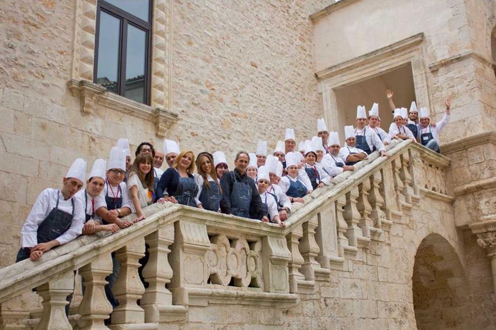 Al via a ceglie messapica il corso propedeutico di alma la scuola internazionale di cucina - Scuola di cucina italiana ...