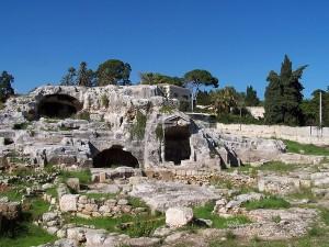 Cosiddetta <em>Tomba di Archimede</em>, Siracusa - Ph. Codas2 | CCBY2.5IT