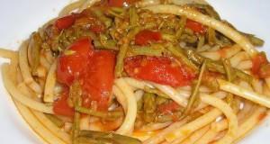 Bucatini con asparagi e pomodorini freschi